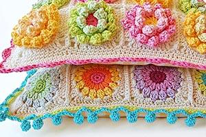Beautiful crochet pillow free pattern