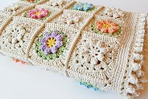 Flowery granny square free pattern