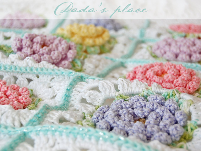 Flowery granny square blanket pattern and step by step photo tutorial