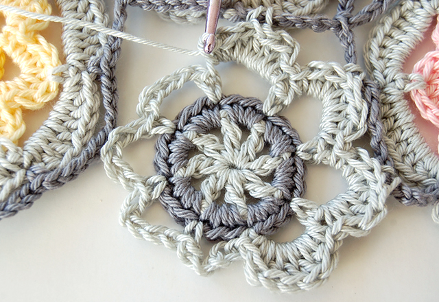 Beautiful crochet free step by step tutorial