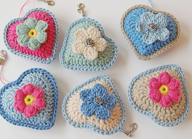 Beautiful crochet hearts free pattern