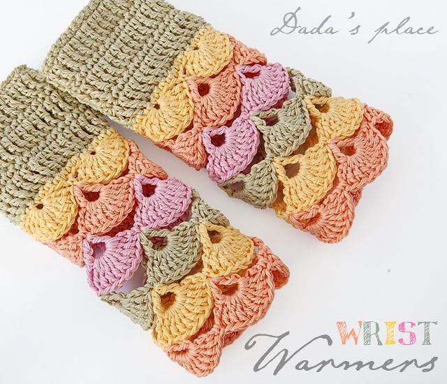 Beautiful crochet wrist warmers free pattern