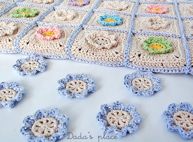 Beautiful flowery granny square blanket