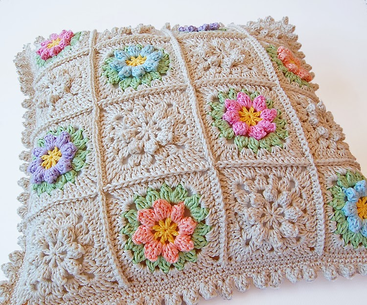 Crochet cushion free step by step tutorial