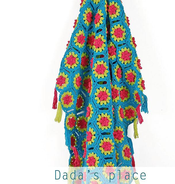 Crochet flowery hexagon blanket