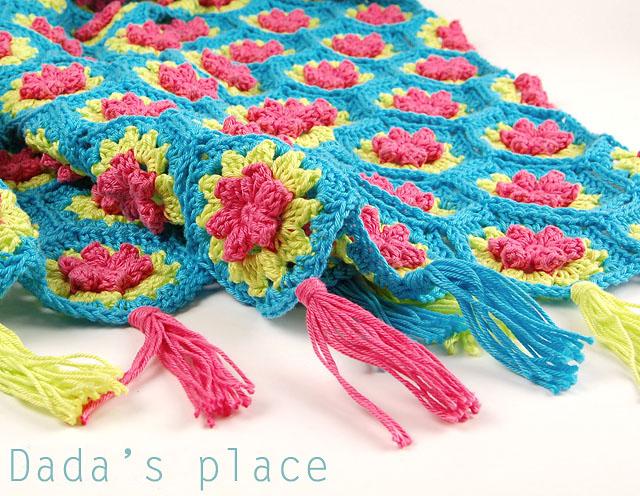 Crochet hexagon flowery blanket