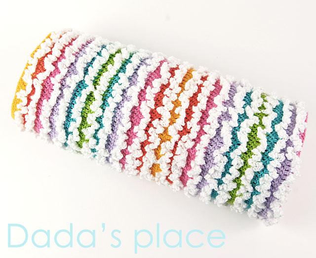 Crochet ruffle baby blanket