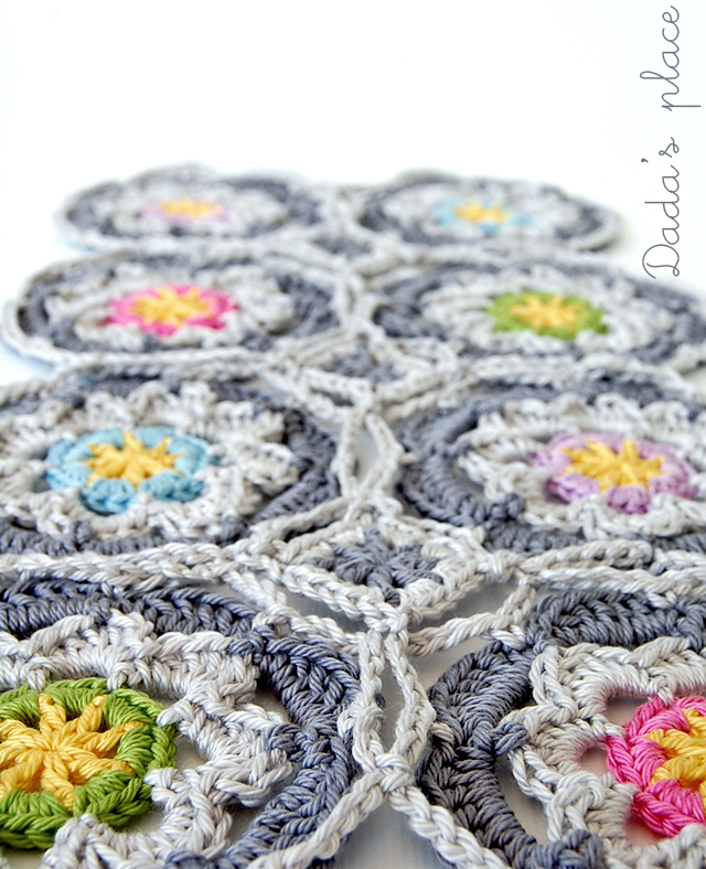 Dadas place crochet flowers