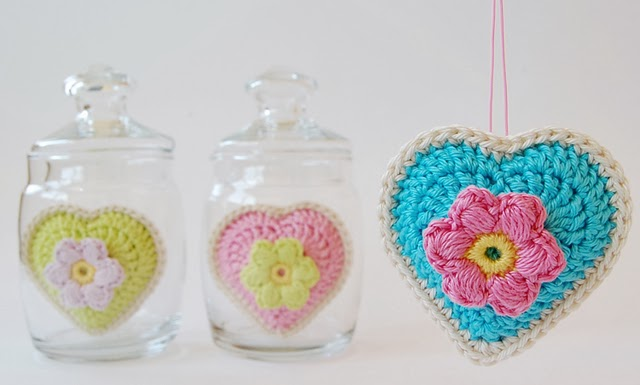 Dadas place crochet hearts