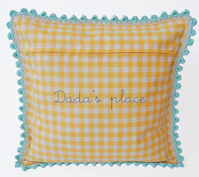 Dadas place crochet pillow pattern