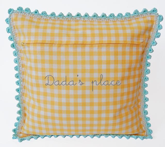 Dadas place crochet pillow pattern