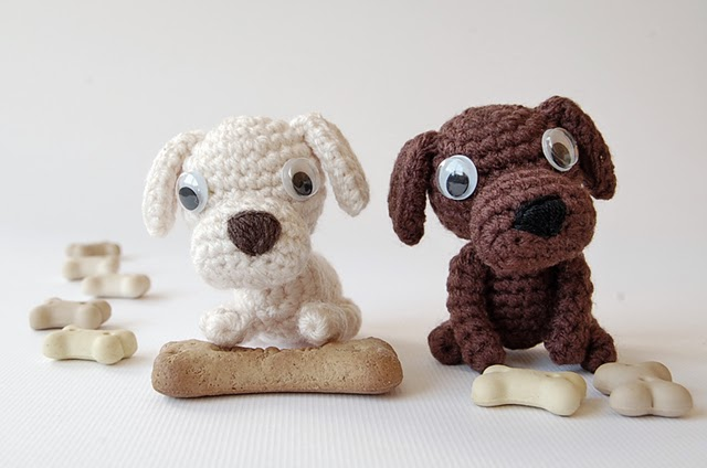 Dadas place cute amigurumi dogs