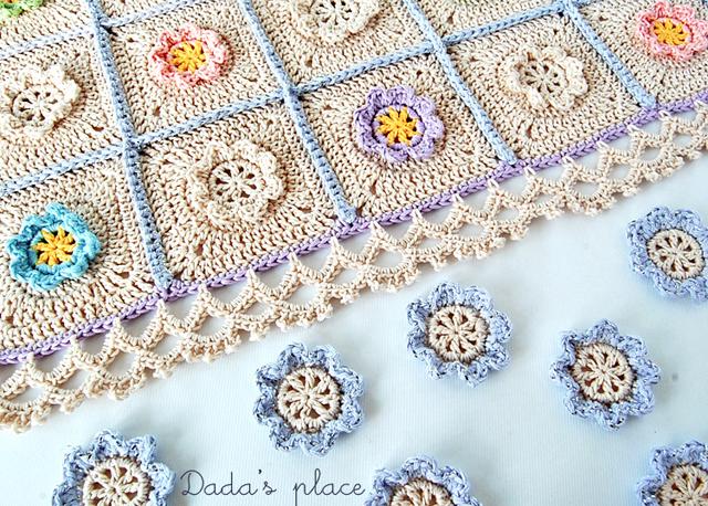 Dadas place flowery crochet blanket