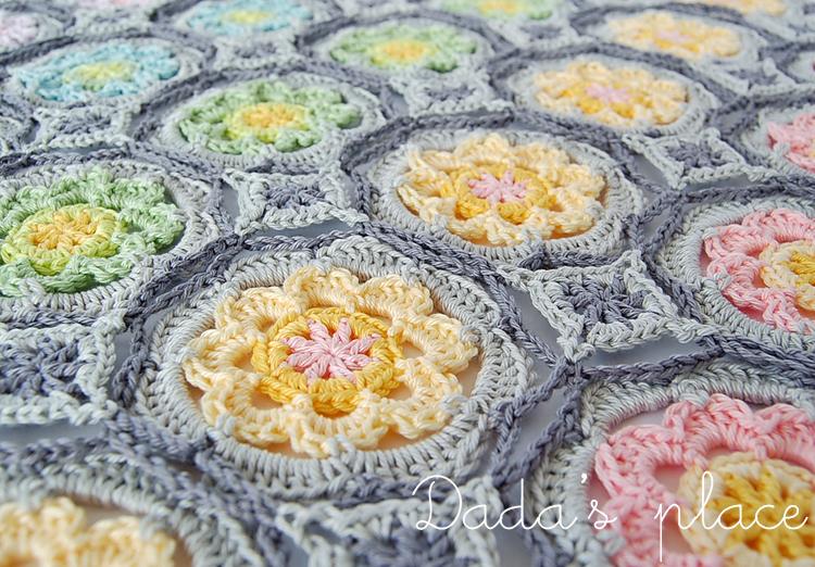 Dadas place flowery crochet shawl