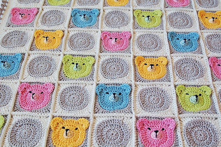 Dadas place teddy bear crochet baby blanket