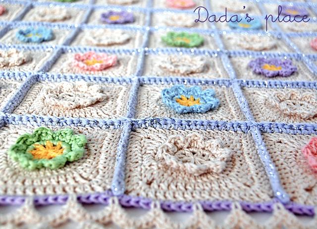 Flowery crochet baby blanket