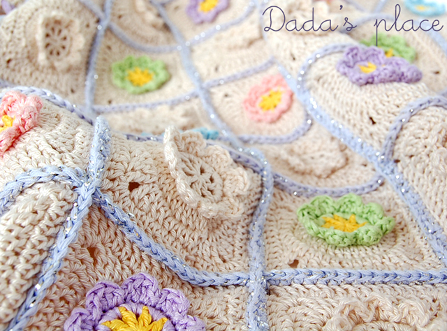 Flowery granny square baby blanket