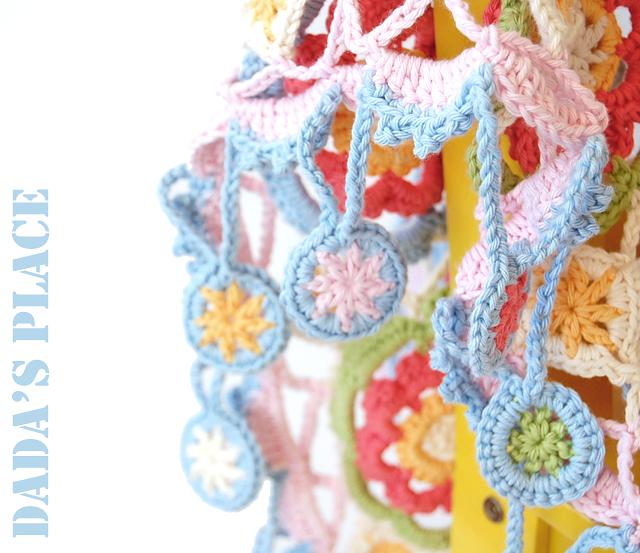 Flowery motif crochet scarf