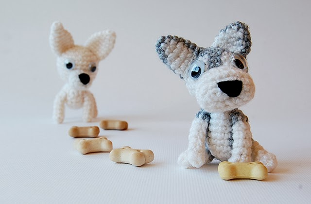 Little amigurumi dogs
