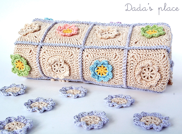 Little flowers crochet blanket