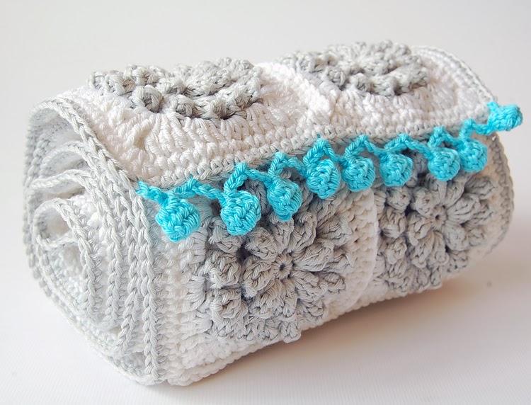 Popcorn crochet scarf