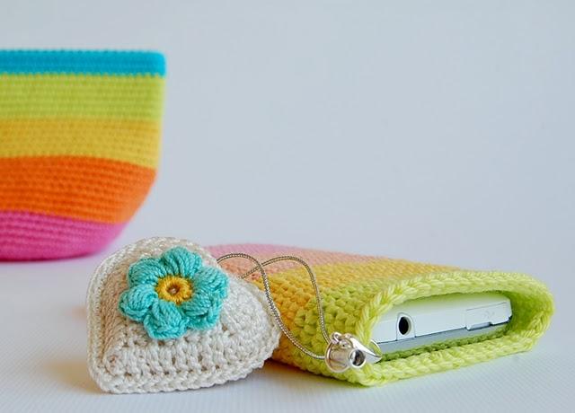 Rainbow phone pouch free pattern