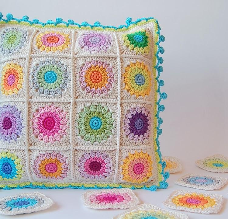 Rosie posie crochet cushion free pattern