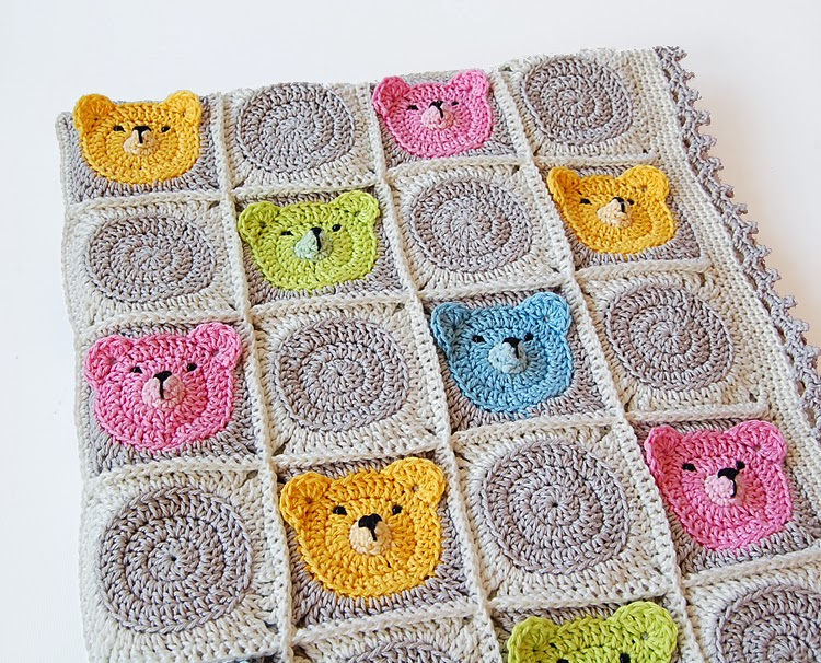 Teddy bear crochet baby blanket