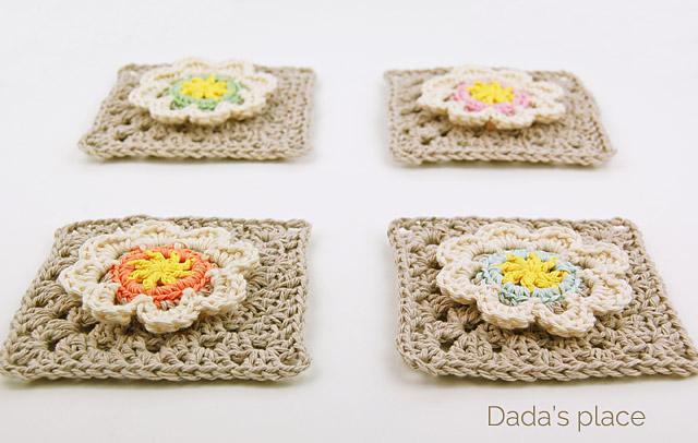 crochet flowery square