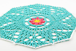 How to crochet a doily