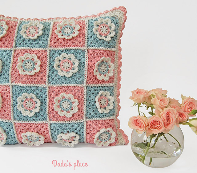 Flower granny square pillow pattern