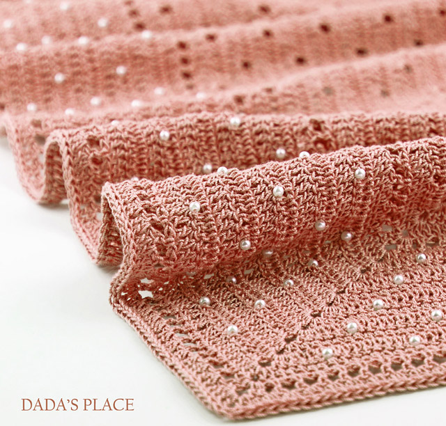 Delicate Crochet shawl pattern by Dadas place